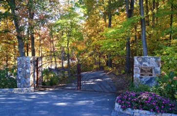 gates-of-the-arboretum-in-autumn-natalie-kress.jpg